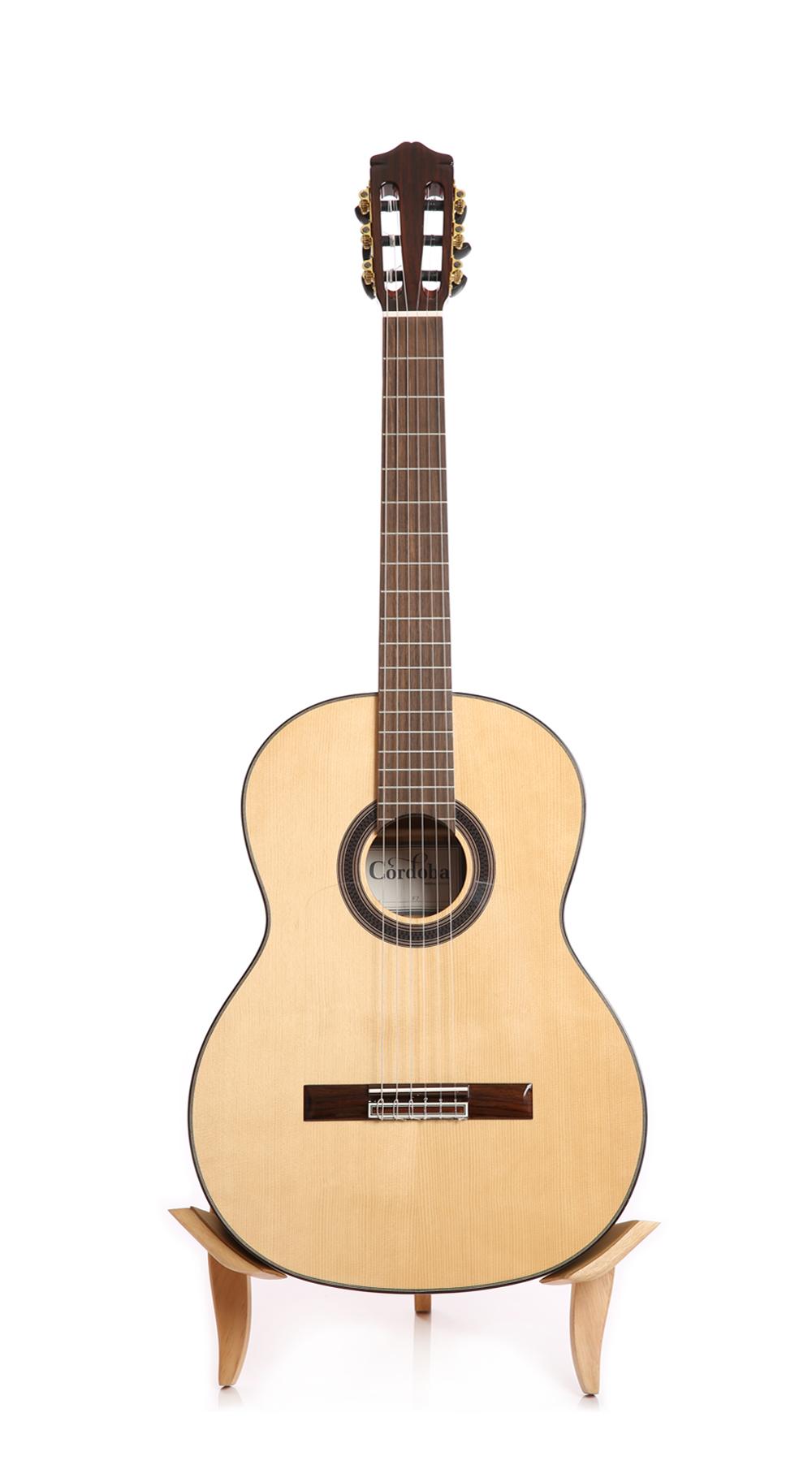 Đặc điểm của Guitars Cordoba F7