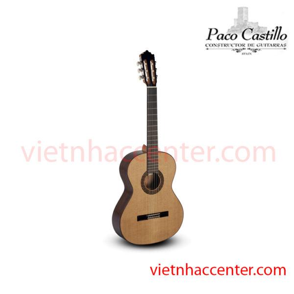 Guitar Classic Paco Castillo 202