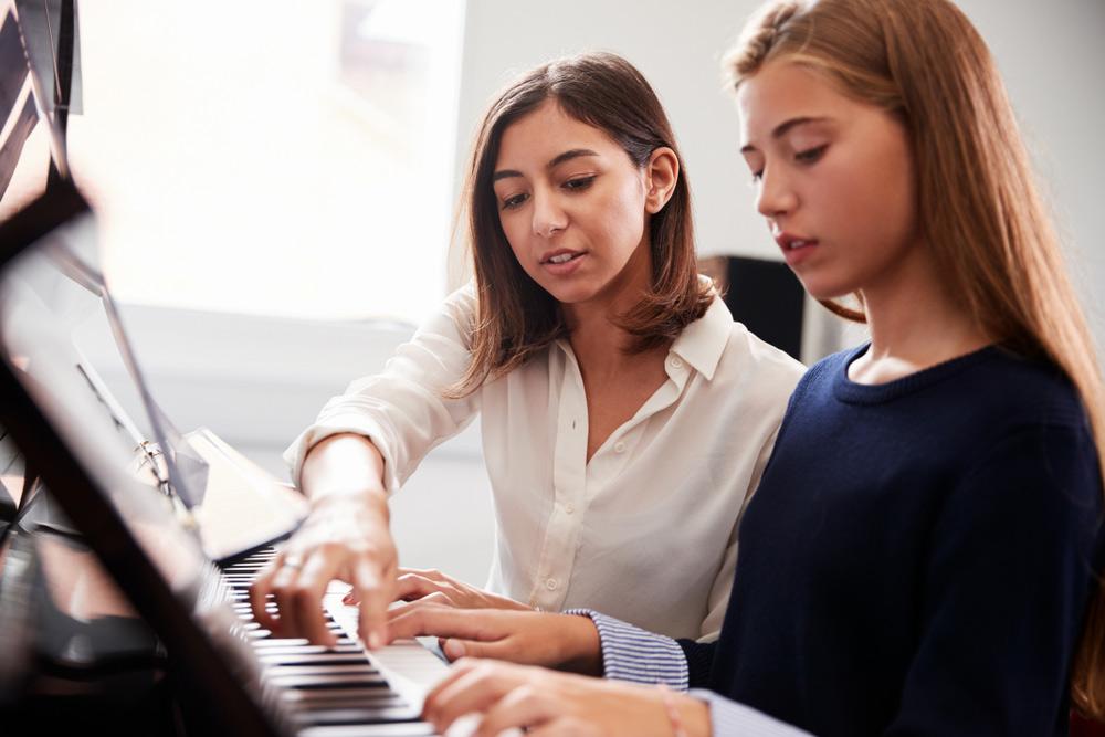 Lời Khuyên Hữu Ích Và Thông Tin Về Trường Học Piano Cho Người Lớn
